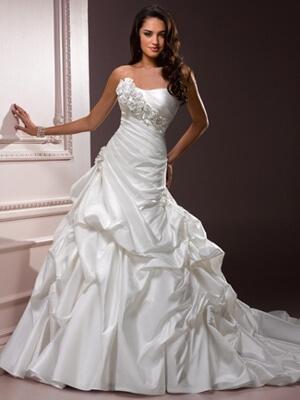 Menyasszonyi ruha - Júlia Esküvői Ruhaszalon 3d37083fcd