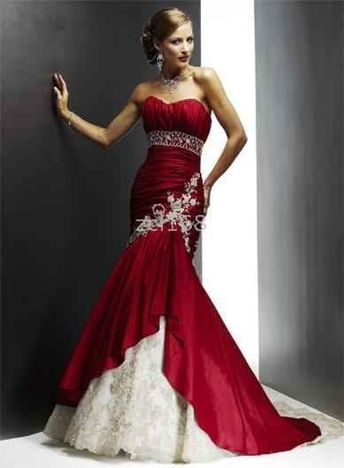 26afdbdac2 Színes menyasszonyi ruha - Júlia Esküvői Ruhaszalon. Színes menyasszonyi  ruha - Júlia Esküvői Ruhaszalon