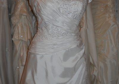 """""""A"""" vonalú menyasszonyi ruha -Júlia Esküvői Ruhaszalon"""