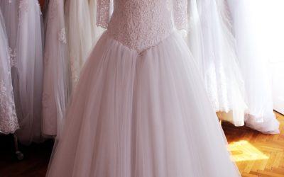 Esküvői ruha alacsony menyasszonyoknak