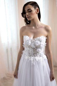 3D virágos esküvői ruha