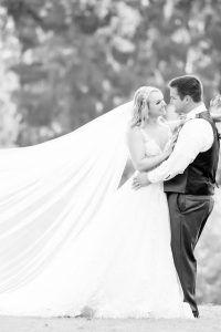 Hosszú menyasszonyi fátyol