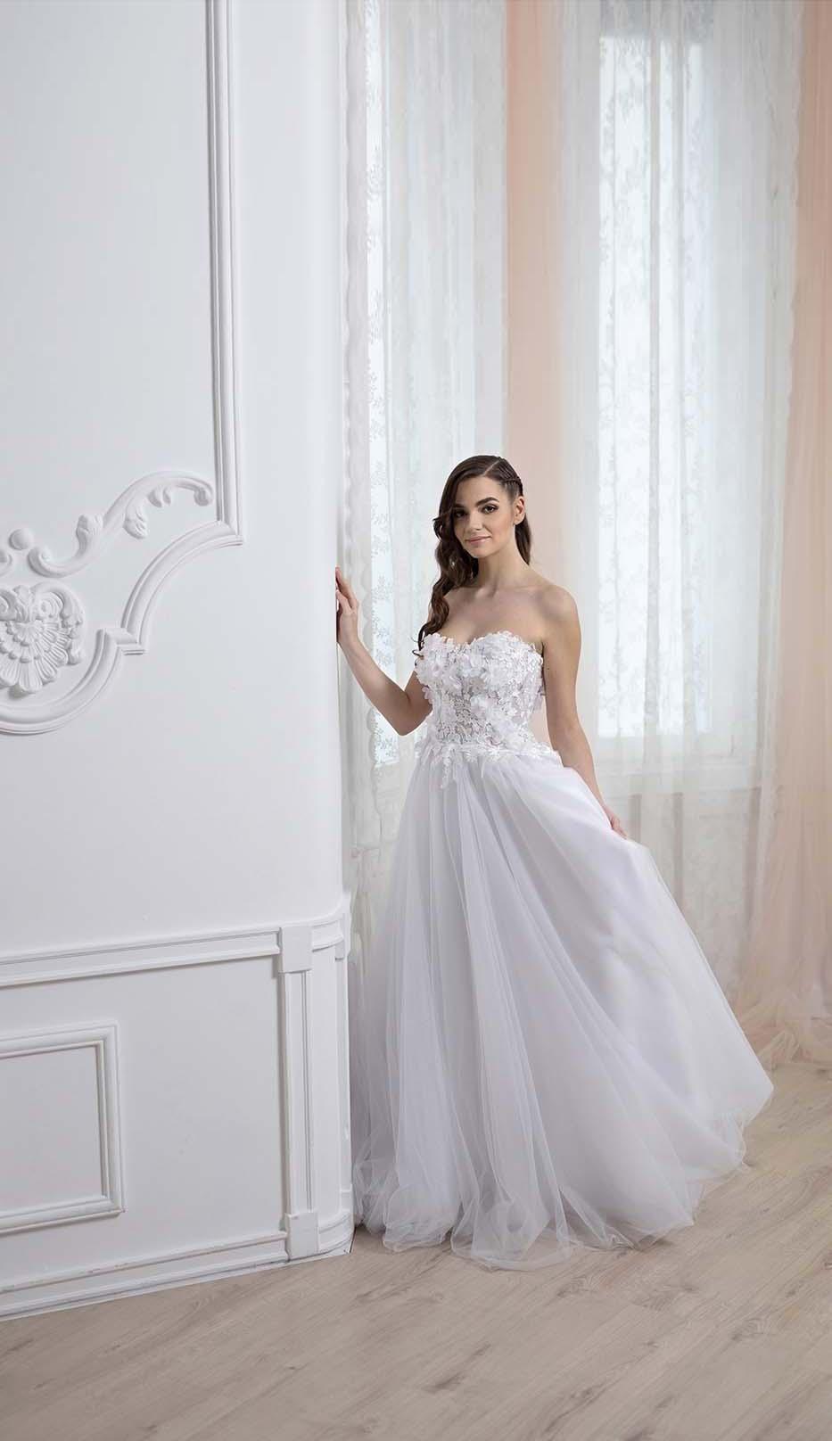 Read more about the article Kismama esküvői ruha – várva a csodát!