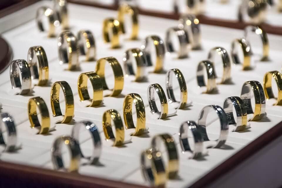 Jegygyűrű kiválasztása, hogyan válasszunk karikagyűrűt?