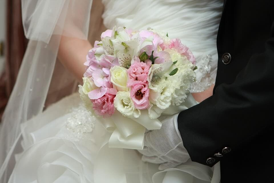 Menyasszonyi csokor: hagyományos vagy legyen inkább egyedi?