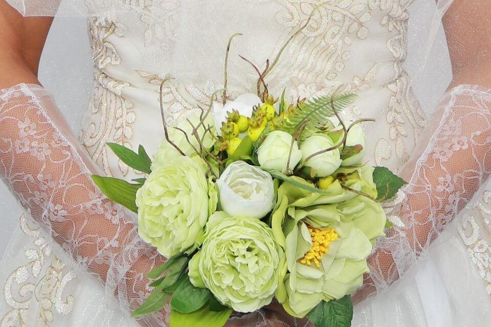 Menyasszonyi kesztyű - Júlia Esküvői Ruhaszalon