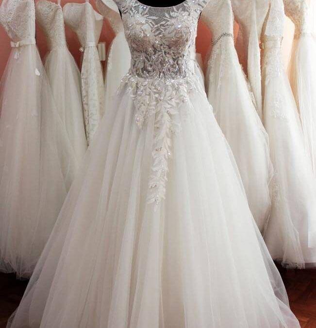72726aacd9 Menyasszonyi ruha kölcsönzés - Júlia Esküvői Ruhaszalon