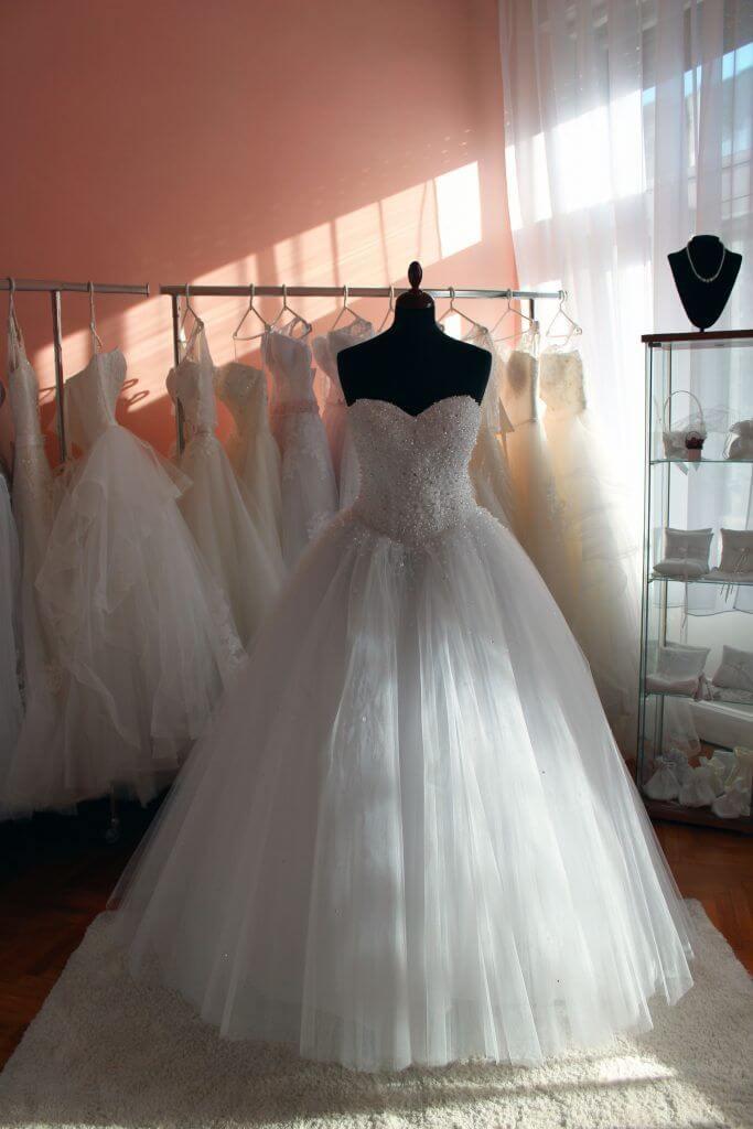 24a82c3d60 Szalagavató ruha, hasznos tanácsok a kiválasztáshoz - Júlia Esküvői ...