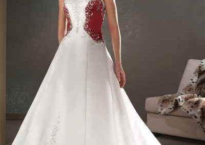 Színes esküvői ruha - Júlia Esküvői Ruhaszalon